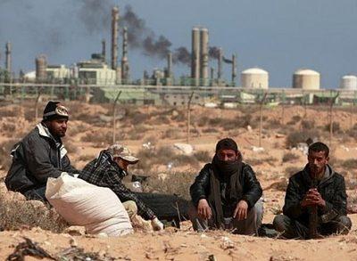Libya đóng cửa mỏ dầu vì bị tấn công khủng bố