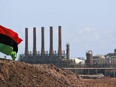 Lybia mất 67,4 triệu USD mỗi ngày vì ngừng xuất khẩu dầu mỏ. (Ảnh: Frayer)