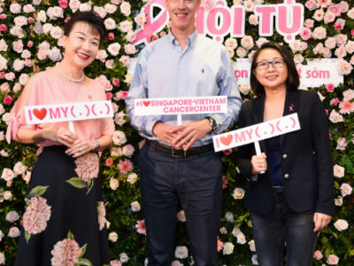 Sự kiện bác sĩ Singapore hướng dẫn phòng ngừa ung thư vú.