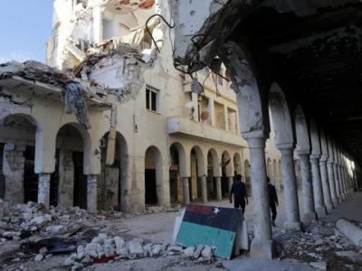 Đất nước Libya bị chiến tranh tàn phá đang rất cần tiền để tái thiết Ảnh: REUTERS