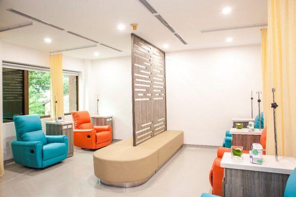Khu vực hóa trị tại phòng khám Ung bướu Singapore - Việt Nam, nơi khám và điều trị bệnh ung thư (gồm cả bệnh ung thư vú).