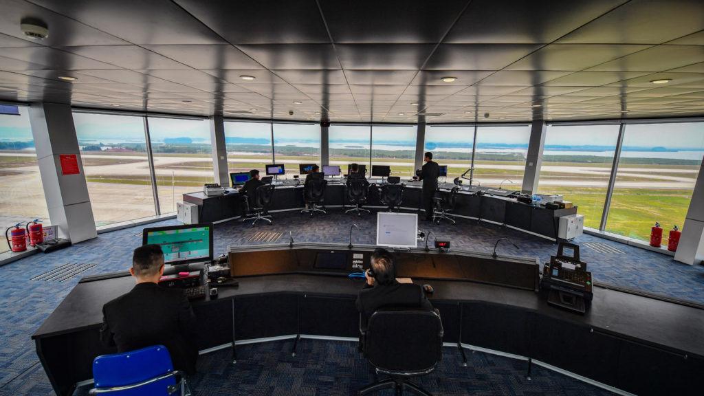 Đài kiểm soát không lưu tại cảng Vân Đồn.