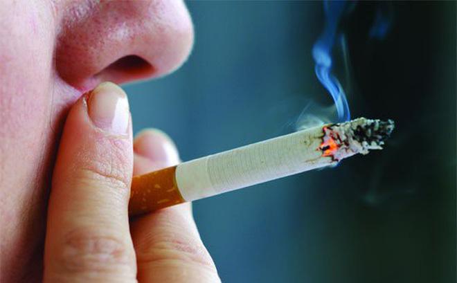 hút thuốc lá thường xuyên