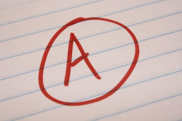 Không nên bỏ qua điểm số học tập của bản thân nếu muốn du học Mỹ
