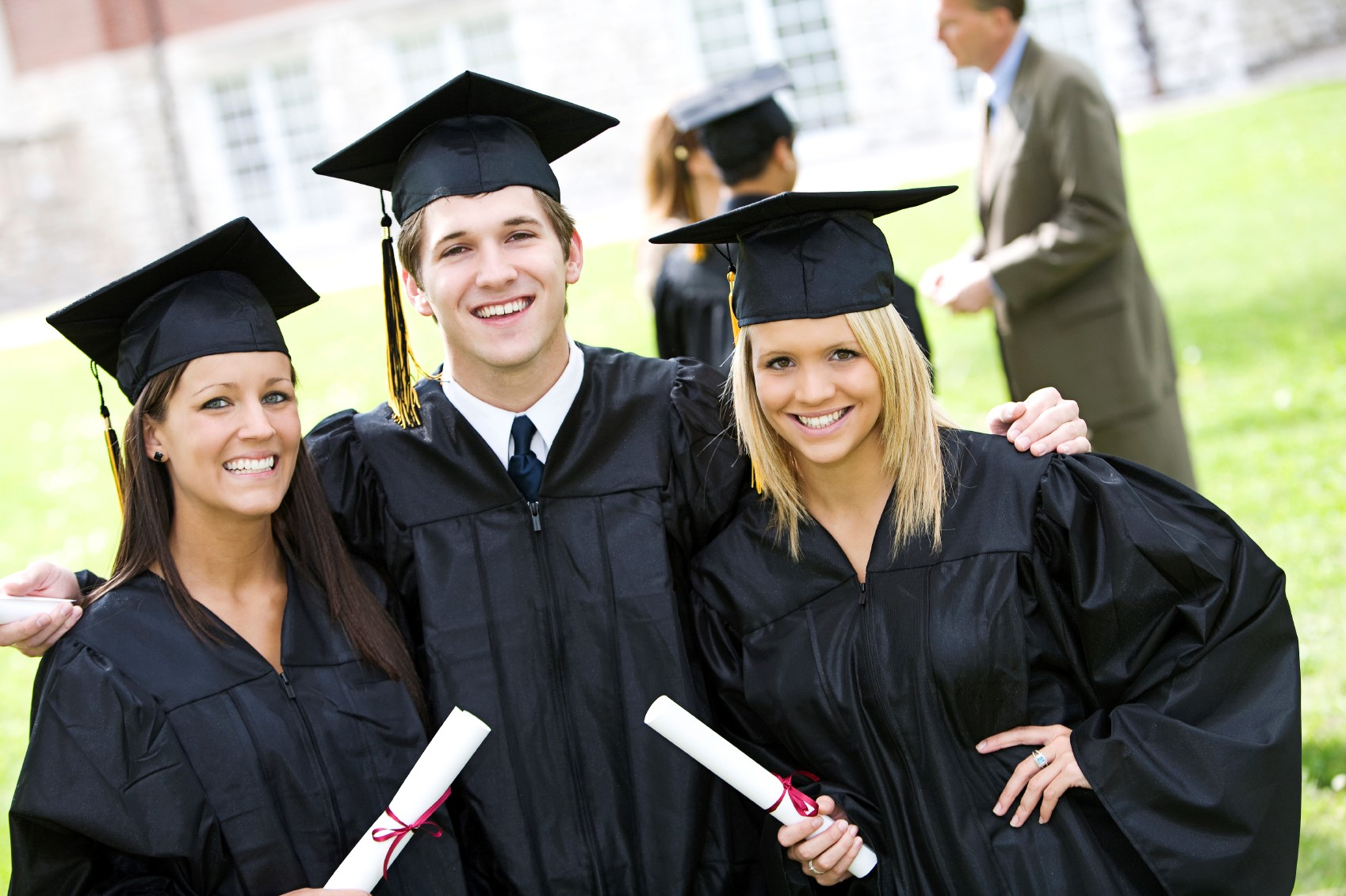 du học sinh giành được học bổng toàn phần