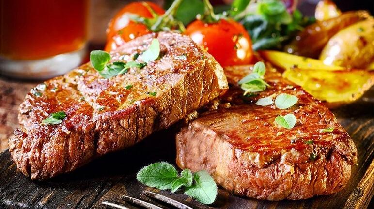 beefsteak với khoai tây