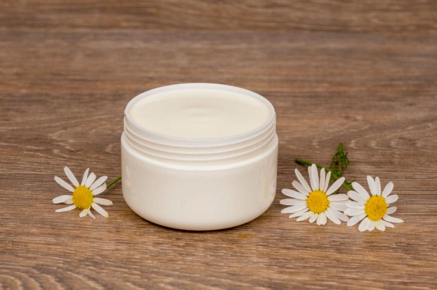 Kem dưỡng ẩm làm mịn màng bề mặt da